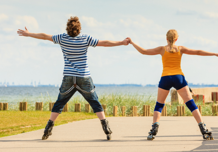 couple roller blading